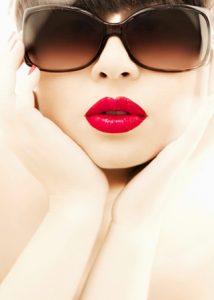 Love Bright Lipstick? Follow These Tips!