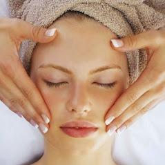 How to maintain sensitive skin-Beauty Salon Matamata - Gloss Beauty Boutique 7 888 9960